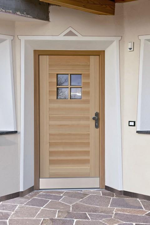 Haustür Osttirol aus Holz mit vierteiligem Glas Tür Osttirol